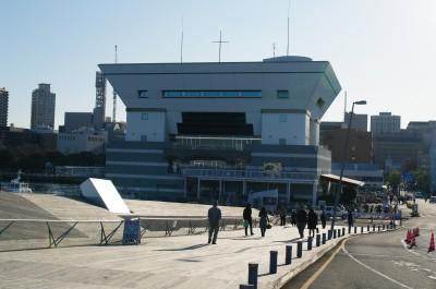 大さん橋客船ターミナルにて(2)