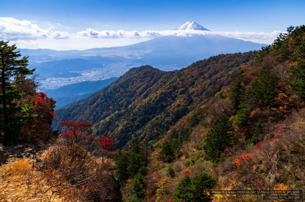 三ツ峠山より紅葉と富士山 | PENTAX K-5&DA★16-50mm