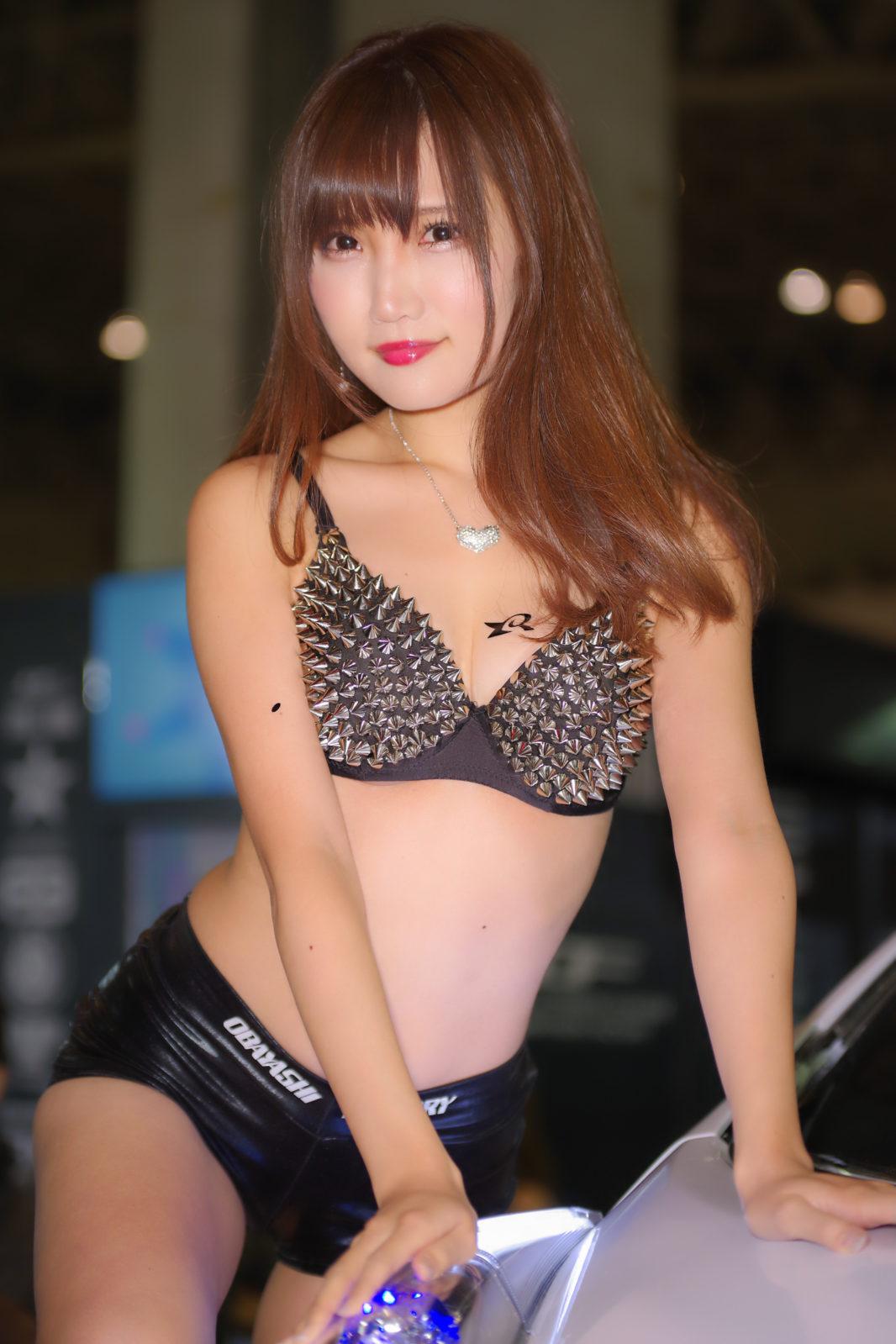尾林ファクトリーブースのお姉さん | PENTAX K-1&D FA★70-200mm&AF540FGZ
