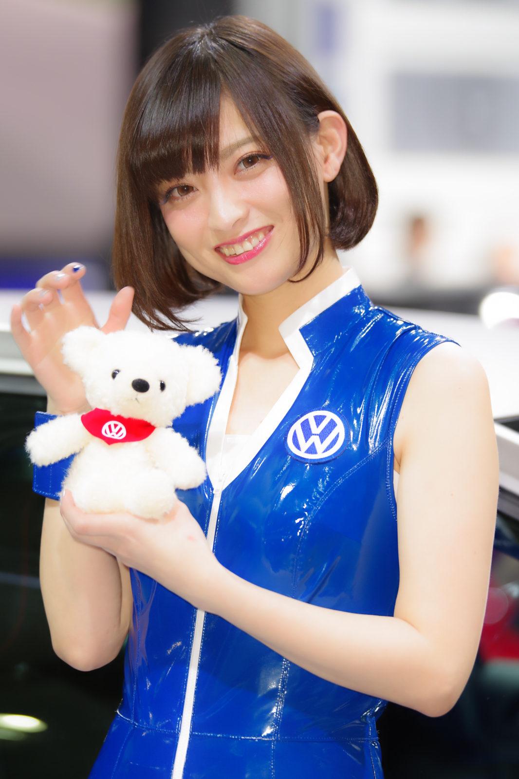 VWブースのお姉さん | PENTAX K-1&D FA★70-200mm&AF540FGZ