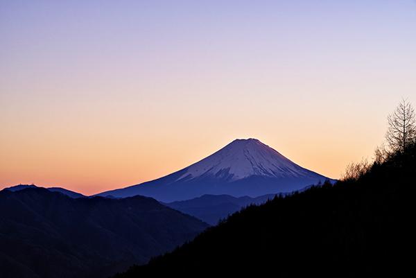 柳沢峠茶屋より富士山