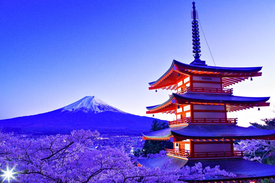新倉山浅間公園より富士と桜と忠霊塔   PENTAX K-1&FA★28-70mm