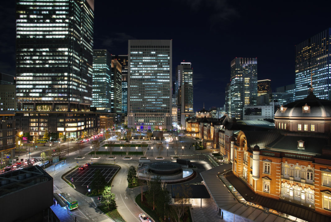 KITTE屋上庭園より東京駅   PENTAX K-1&FA20mm